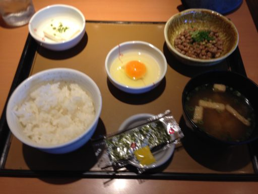 やよい軒の朝定食、納豆定食
